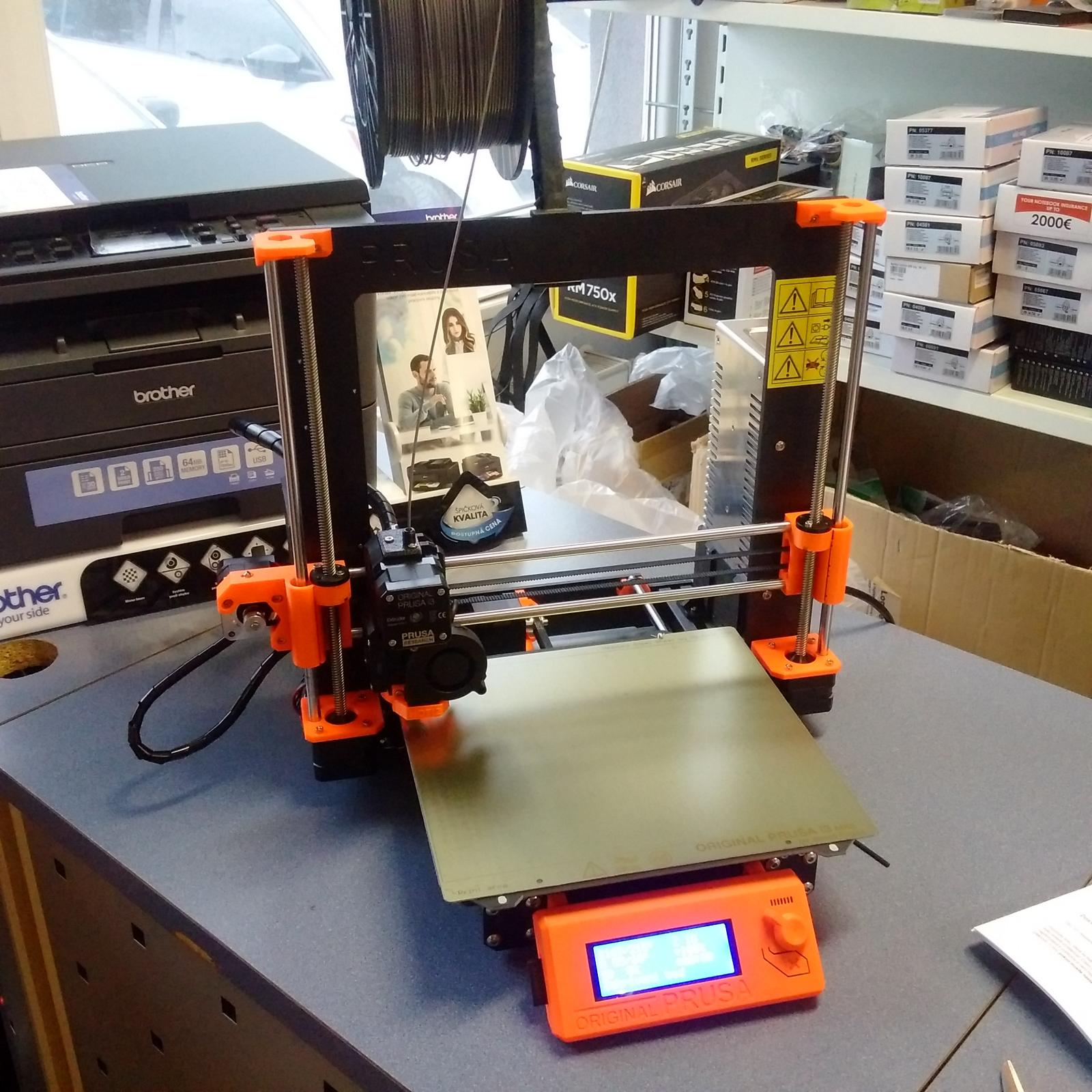 3D tisk držák Apple MacBook
